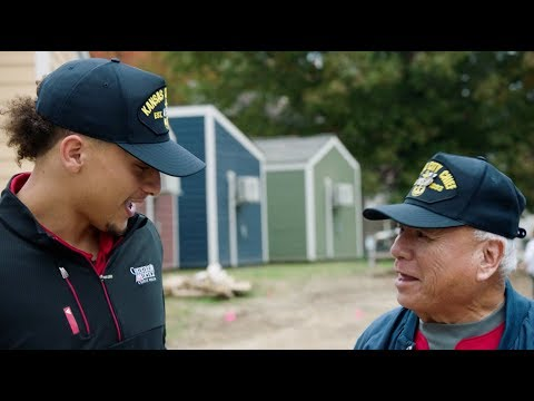 Mahomes lends a helping hand to KC Veterans